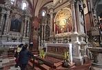 La Madonna del pilastro - Padova, si è concluso il restauro dell'altare della «Madonna del Pilastro, dell'Immacolata e degli Orbi» posto nella navata sinistra della Basilica di Sant'Antonio. L'importo totale di spesa di 30 mila euro è stato sostenuto per quanto riguarda l'altare, dalla Veneranda Arca di Sant'Antonio (Bergamaschi)