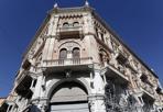 Le Debite - Dopo decenni, sono state smontate le impalcature che avvolgevano Palazzo Debite in piazza delle Erbe a Padova. L'immobile, di proprietà dell'Inps, è stato completamente ristrutturato. Ma dentro è ancora vuoto. (foto Marco Bergamaschi)