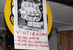 Gratta e vinci - Il biglietto milionario del Gratta e Vinci venduto alla ricevitoria di Niccia di Trichiana (Belluno). Con il concorso «Buon compleanno» un fortunato ha intascato 415mila euro (Foto Zanfron)