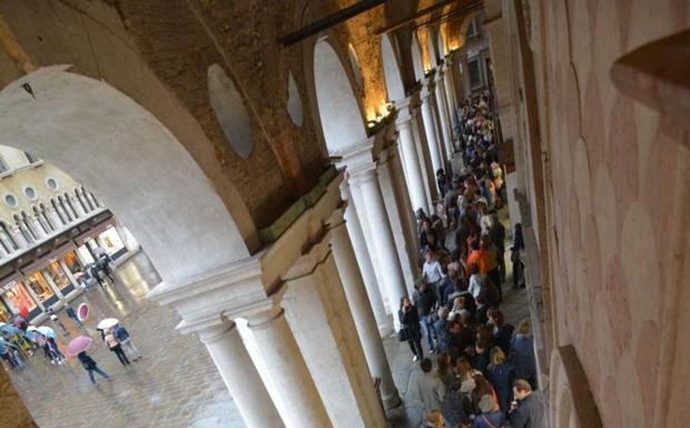 L'ultimo giorno - Termina il 4 maggio alla Basilica Palladiana di Vicenza la mostra «Verso Monet. Storia del paesaggio dal Seicento al Novecento». Record di visitatori (Galofaro)