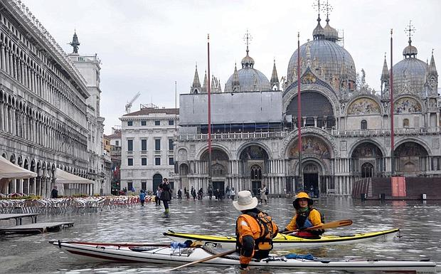 Venezia Alta Stagione Acqua Alta Della Stagione