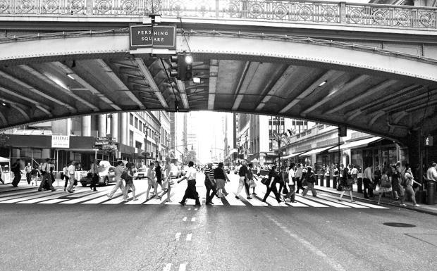 Le strisce del ponte - Una foto in mostra a Padova Fotografia, fino al 16 aprile (Baruffaldi)
