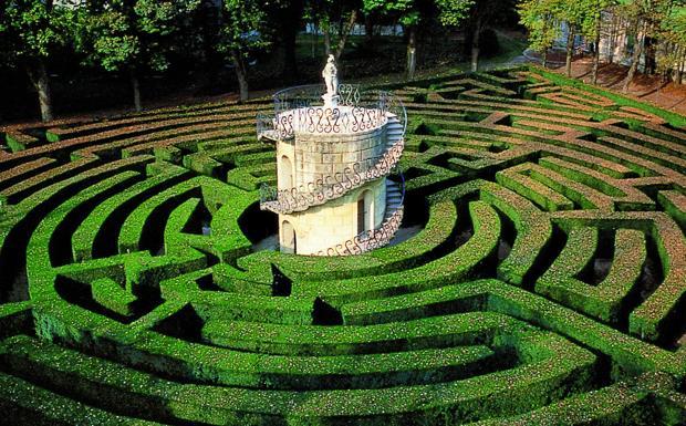 """Il Labirinto - Villa Pisani a Stra, il celebre labirinto citato anche da D'Annunzio in """"Il Fuoco"""". Dal 12 aprile Villa Pisani ospiterà la mostra """"Luce su Venezia Viaggio nella fotografia dell'800"""""""
