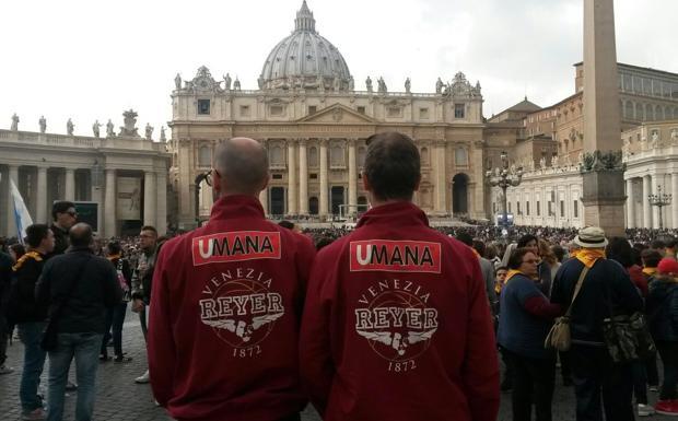 Basket papale - Roma, i giocatori della Reyer basket Venezia sono andati all'udienza del mercoledì del Papa