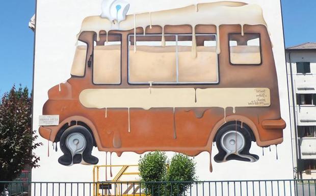Camion che cola - Una delle opere del writer Zagor, realizzata sul muro di una casa in via Stella a Padova,  per il progetto Ahead di valorizzazione delle periferie
