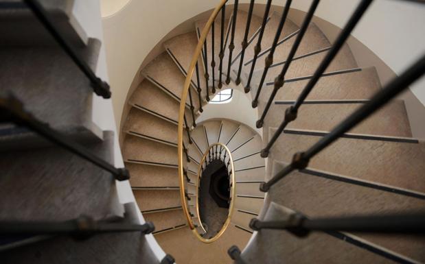 Una discesa da capogiro - Le scale di Palazzo Cini a san Vio