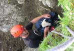 L'agnellino e il dirupo - Belluno, l'animale salvato sul Pordoi dal soccorso alpino di Livinallongo. La madre lo stava vegliando da alcuni giorni