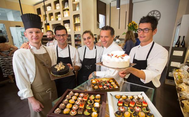 Dolce Locanda - Lo chef bistellato Giancarlo Perbellini apre una nuova pasticceria a Verona in via Catullo. Si chiama Dolce Locanda (Fotoland)