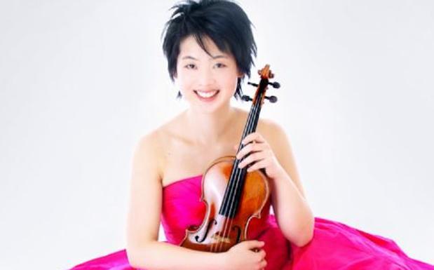 Il genio del violino - la violinista Lisa Izumi, vincitrice del Premio 2013 del Rotary Club, suonerà alla 31esima edizione del Festival di Portogruaro giovedì 28 agosto