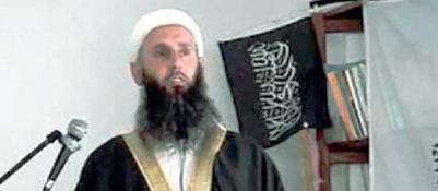 Jihad, una donna  come reclutatriceE tra gli indagati spunta  un imam