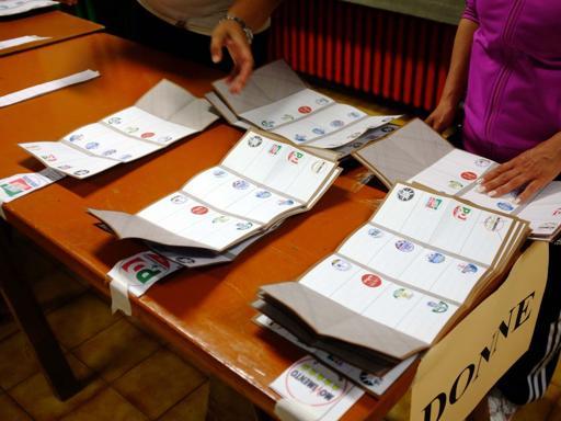 Elezioni, la maratona delle liste