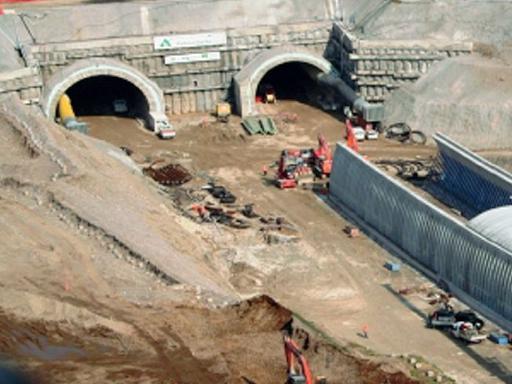 Infrastrutture, il colpo di freno