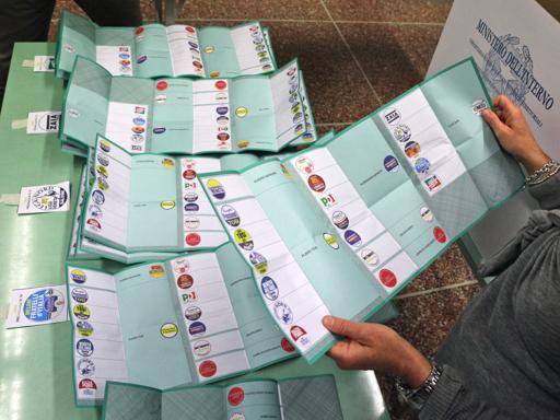 Consiglio regionale, tutti gli elettiDa Boffo a Simeoni, «flop» eccellenti