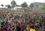 Holi a Sherwood - «Holi a Sherwood» tra musica e lanci di polverine coloratissime nel parcheggio dello stadio Euganeo di padova