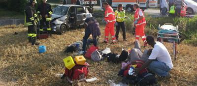 Auto fuori strada, 4 donne ferite  Foto