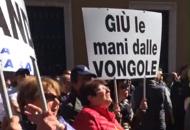 Vongolari, la protesta blocca la citt�Ma alla fine trovano l'accordo |Video