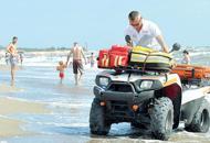 Mancano personale e moto medica �Finanziate il soccorso in spiaggia�