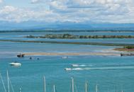 Le grandi lagune dietro le spiaggeGuarda la fotogallery