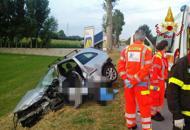 Muore nello scontro con un camionGuarda la fotogallery dell'incidente