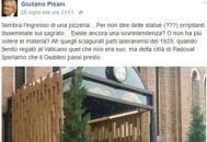 'La Porta Santa sembra una pizzeria'E su Facebook scoppia la polemica