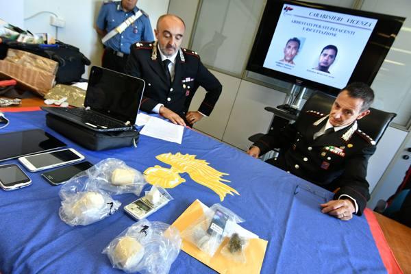 Furti in negozi e nelle case arrestati due sudamericani for Negozi arredamento friuli