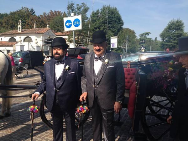Gino e Lorenzo, sposi in carrozza