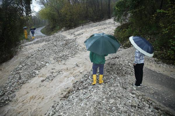 Tornano a casa le famiglie evacuate A Cortina una frana in località Rio Gere