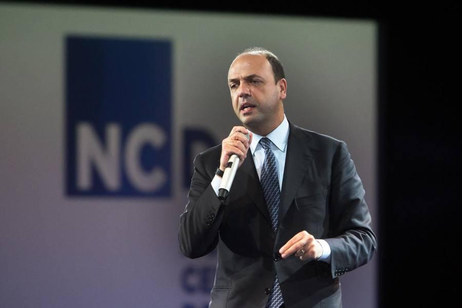 Il ministro Alfano espelle marocchino, era l'«imam supplente» di Treviso