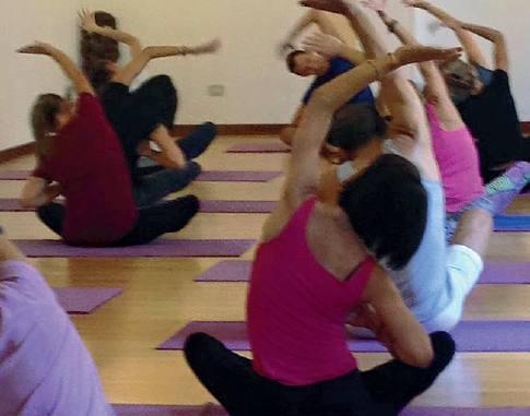Yoga e difesa personale per le donne Roveri: «La palestra, il mio riscatto»