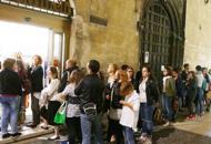 E' mezzanotte, ressa in libreria | FotoTutti pazzi per il nuovo Harry PotterDelirio in coda: il video dell'assalto