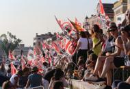 Venezia, in mille contro le grandi naviLa festa alla Zattere: la fotogallery
