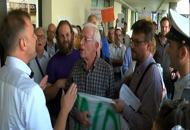 Bitonci contestato a Mortise | VideoLa rabbia dei residenti: no allo stadio