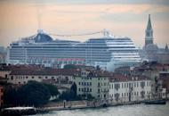 Grandi navi, Brugnaro �apre�alla soluzione MargheraFumi, undici multe alle compagnie