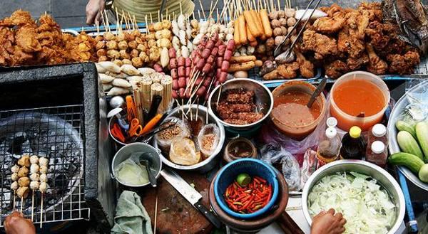 L'ultima frontiera del food truck, quattro amici e cibo da strada etnico