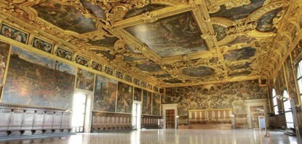 Sacco a pelo e pigiama a Palazzo Ducale la notte al museo fa il tutto esaurito