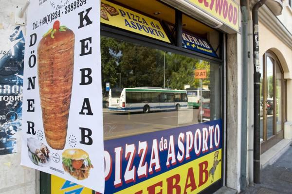 Crociata anti-kebab (come Firenze) almeno il 60% di prodotti veneti per chi vuole aprire in centro