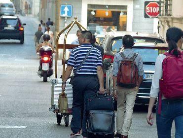 Turismo, boom Airbnb: più 20% in un anno. Albergatori in rivolta