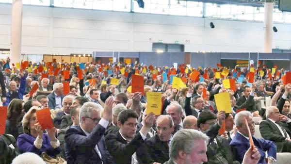 Banco: in seimila per l'addio alla coop Ultima convention, incognita Milano