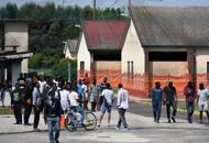 Profughi e il nuovo piano che divide i sindaci veneti. 'Giusto'. 'Barricate'