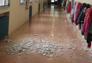Crolla l'intonaco, cede controsoffittoAltre due tragedie sfiorate a scuola