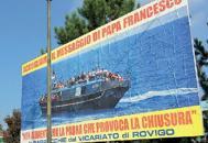 Profughi, cartelloni della diocesi �Basta alimentare la paura�