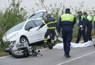Auto contro scooter, muore a 61 anniLa fotogallery dell'incidente