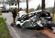 Schianto tra due auto e un furgoneMorta una 38enne di Susegana
