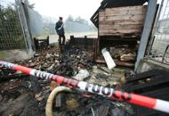 Incendio al capannone per i profughiBancali in fiamme: gallery | Video
