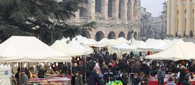 Verona, assalto alla città | FOTOnel lungo Ponte dell'Immacolata