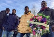 Cona, caso di meningite tra i profughiL'Usl rassicura: «Non è contagiosa»In trecento con un fiore per Sandrine