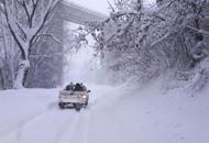 Terremoto, la neve fermala solidarietà dei sindaci veneti