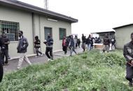 Niente calcio per i profughi di Cona«Questione legata all'igiene»