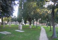 Variati difende il cimitero acattolico«Farne un parco? Un oltraggio»