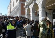 Coppia di turisti aggredita e rapinata  a Rialto durante il Carnevale
